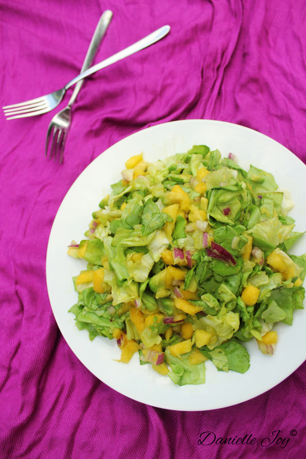 Dressing-less Mango-Avocado Salad