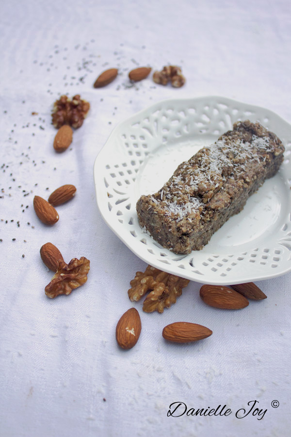 Quick & Easy Protein Bars | Danielle Joy