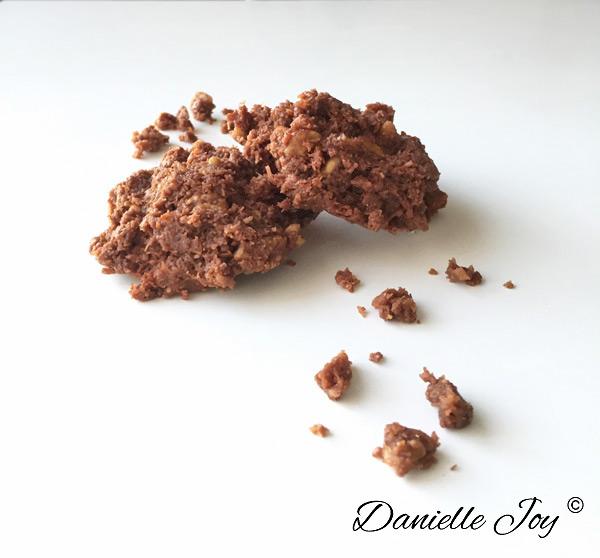 No Bake Peanut Butter Chocolate Macaroons